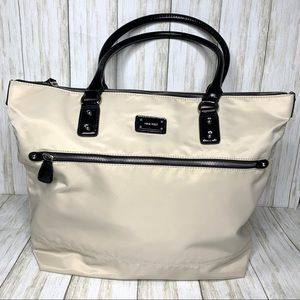 Nine West zippered double handled tote.